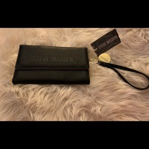 Steve Mdden Black And Gold Patent Leather